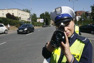 Prawo jazdy. Zatrzymanie prawa jazdy łamie konstytucję? RPO chce zmian w prawie
