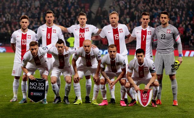 Piłkarska reprezentacja Polski  Dla piłkarza samochód to nie tylko środek transportu, ale również narzędzie marketingowe, symbol statusu oraz poziomu, jaki udało mu się osiągnąć.  Fot. archiwum
