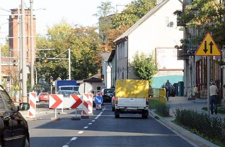 Toruń. Sznury aut blokują Szosę Lubicką