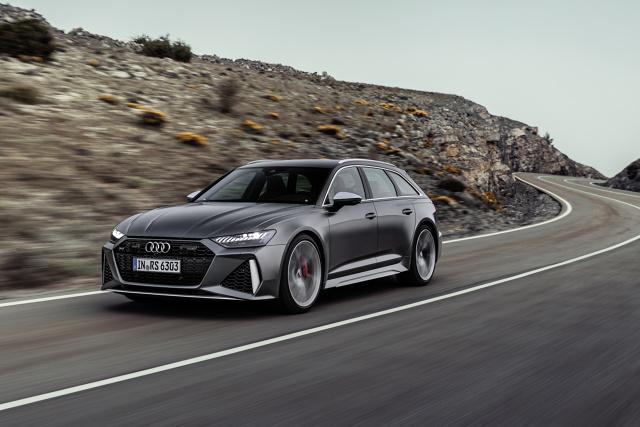 Audi RS6 Avant   Nowe Audi RS6 Avant od 0 do 100 km/h przyspiesza w zaledwie 3,6 sekundy. To m.in. zasługa silnika 4.0 TFSI twin-turbo V8 z systemem mild hybrid.   Fot. Audi