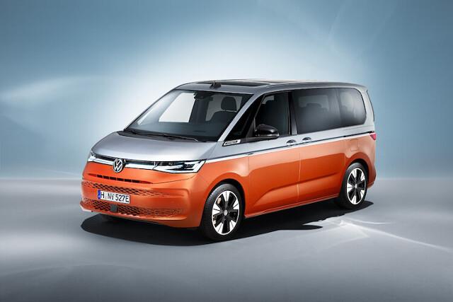 Volkswagen Multivan   W konfiguratorze marki Volkswagen Samochody Dostawcze pojawił się zupełnie nowy model. To Nowy Multivan, którego światowa premiera odbyła się w czerwcu br.   Fot. Volkswagen
