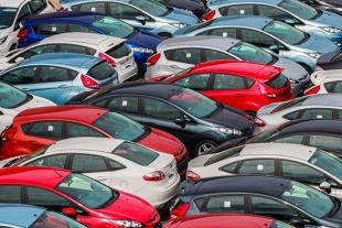 Rejestracje aut. Dane po 10 dniach kwietnia
