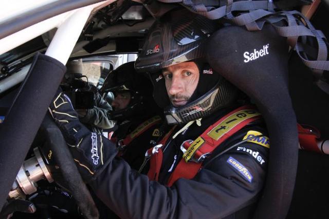 Adam Małysz pojedzie Porsche Cayenne w pięciu rajdach