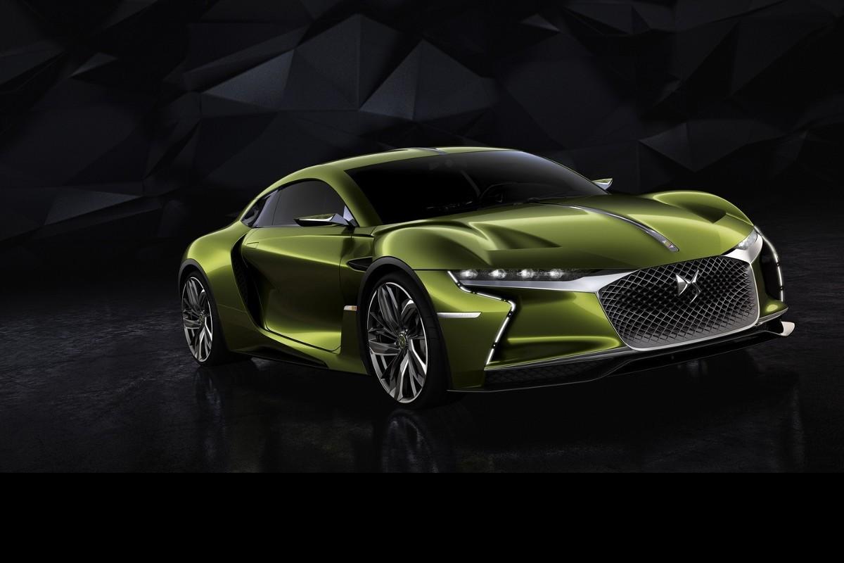 Za napęd odpowiada silnik elektryczny o mocy 402 KM i momencie obrotowym 516 Nm. Jak zapewnia producent auto może pokonać dystans 310 km w cyklu jazdy mieszanej lub 360 km w cyklu jazdy miejskiej / Fot. DS