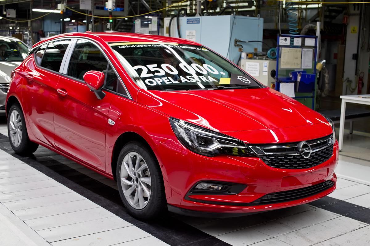 Zakład produkcyjny Opla jest jednym z największych pracodawców w regionie i jednym z największych eksporterów w Polsce. Od prawie dwudziestu lat w gliwickim zakładzie produkowane są kolejne generacje modelu Astra.  Fot. Opel
