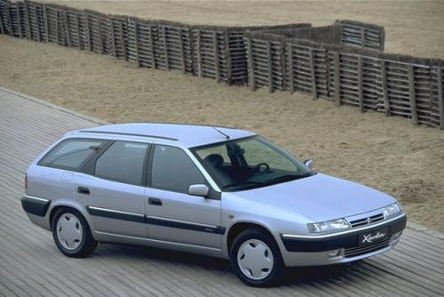 Fot. Citroen: Citroen Xantia I generacji z lat 1992-1997.