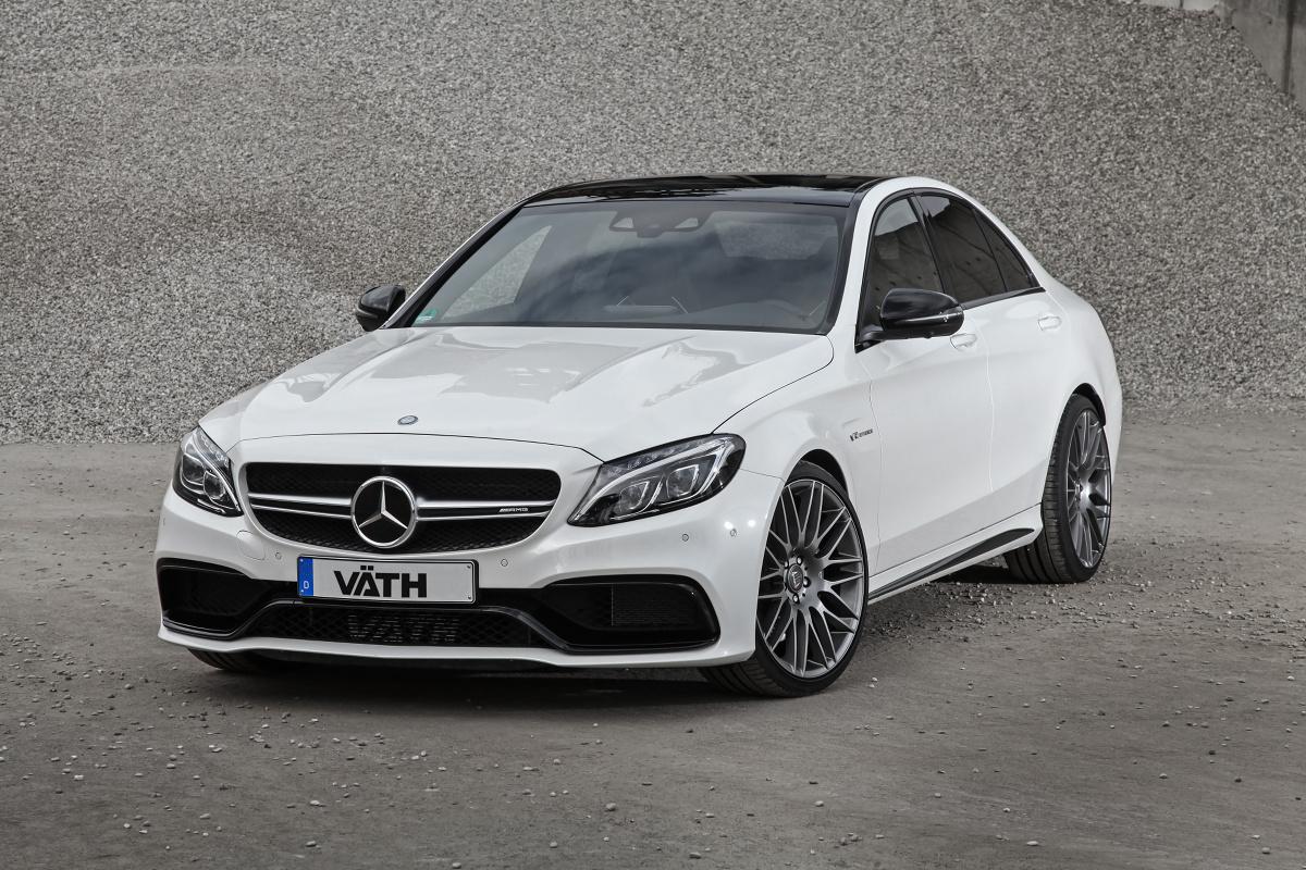 Mercedes-AMG C63  Kto szuka naprawdę mocnych wrażeń, może zdecydować się na pakiet V 63 RS, który obejmuje zoptymalizowane turbosprężarki oraz zmodyfikowane początkowe odcinki układu wydechowego. Väth deklaruje, że z tym pakietem Mercedes-AMG C 63 rozwinie 660-680 KM.  Fot. Jordi Miranda