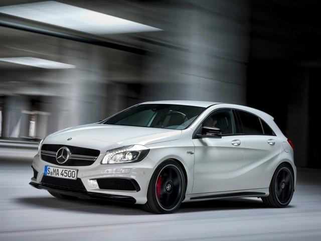 zdjęcie Mercedes-Benz A45 AMG