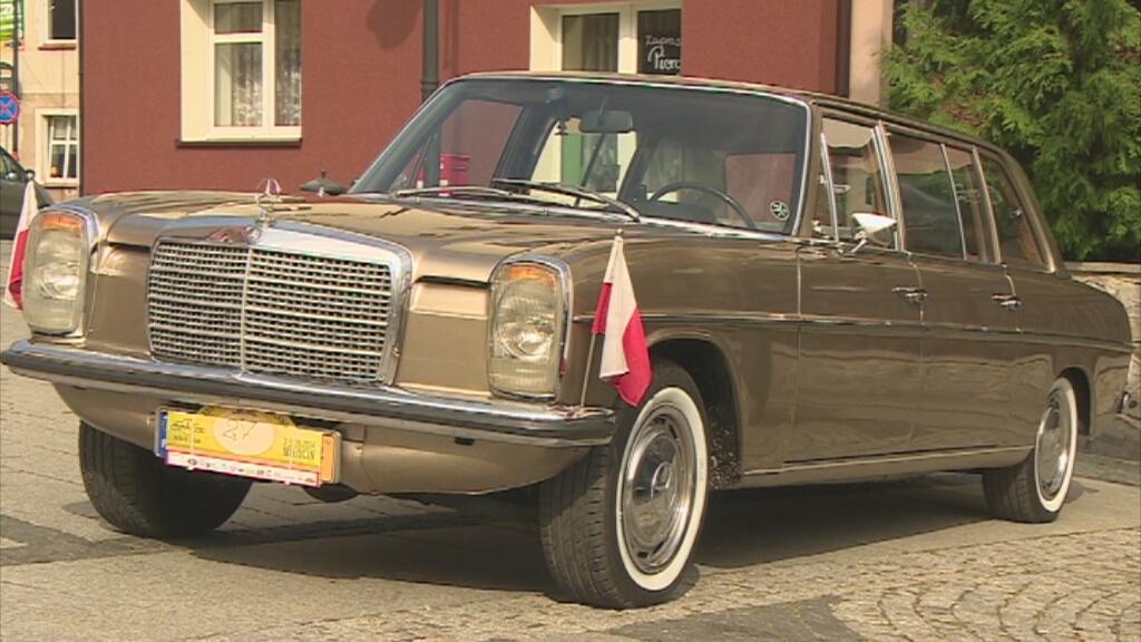 Mercedes W114 Pullman - jedno z aut na zlocie w Trzebnicy/fot. TVN Turbo/x-news