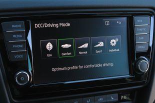 Przeciętny użytkownik samochodu najczęściej zwraca uwagę na silnik, układ kierowniczy czy hamulce. Tymczasem jednym z głównych elementów mających wpływ na bezpieczeństwo jazdy jest zawieszenie.