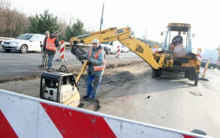 Surowa zima zamroziła uliczne remonty we Włocławku
