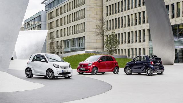 Smart Brabus  Najmniejszy samochód koncernu Daimler jest oferowany w wielu wersjach. Jedną z najciekawszych przygotował Brabus.  Fot. Smart