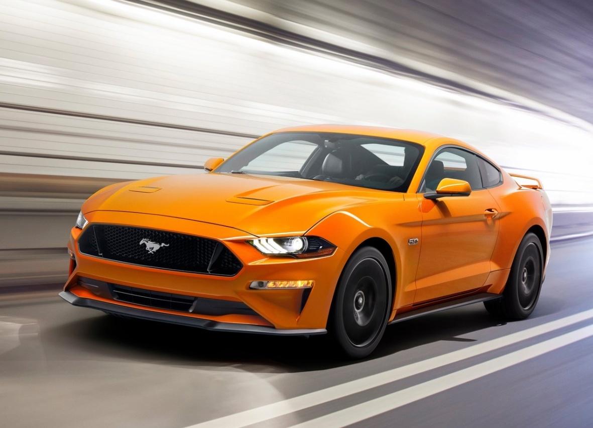 Ford mustang vs nissan 370z porównanie aut sportowych z dwóch biegunów
