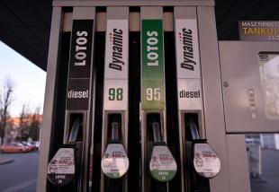 Olej napędowy, benzyna, a może LPG - co wybierają Polacy?