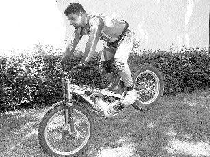 Motocyklowe ewolucje to pestka dla Michała