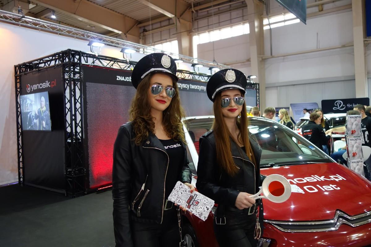 Poznań Motor Show 2019   Dniem prasowym rozpoczął się Poznań Motor Show 2019. To okazja do zobaczenia wielu motoryzacyjnych premier i pięknych kobiet, które goszczą na stoiskach marek.   Fot. Ryszard M. Perczak