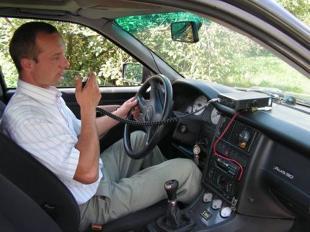 Kodeks drogowy. Czy używanie CB-radia w czasie jazdy jest zabronione?