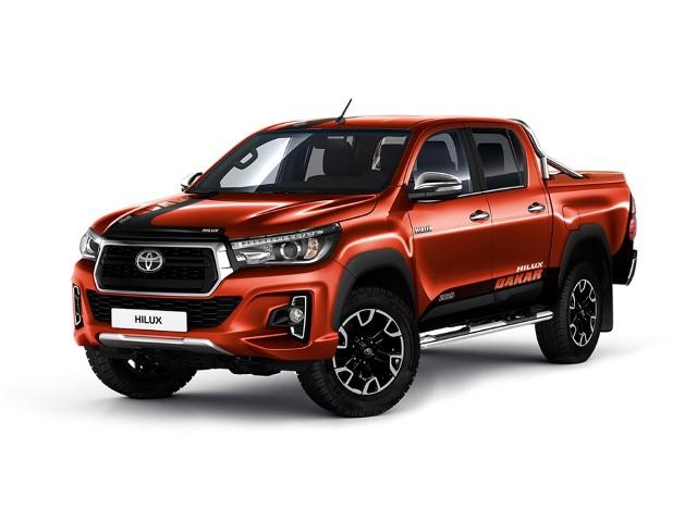 Toyota Hilux Dakar 2019  Hilux Dakar 2019 jest napędzany silnikiem 2.4 D-4D o mocy 150 KM z napędem 4x4 i automatyczną skrzynią biegów. Cena pick-upa w edycji limitowanej wynosi 192 900 zł brutto.  Fot. Toyota