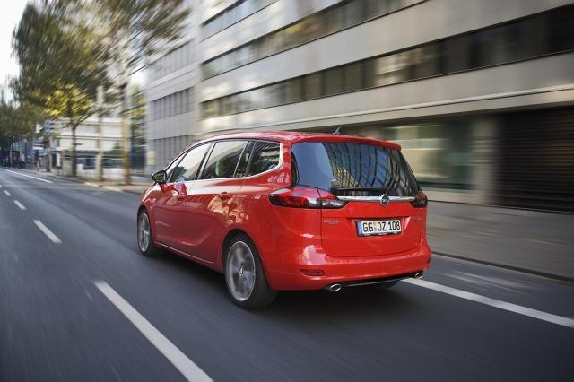 zdjęcie Opel Zafira Tourer BiTurbo