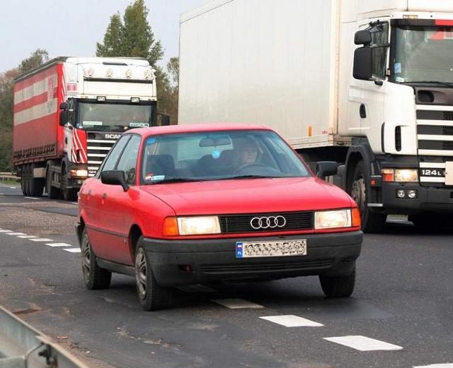 Uszkodziłeś auto przez zły stan drogi? Masz prawo do odszkodowania!