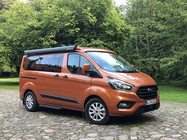 Na naszym rynku debiutuje Ford Transit Custom Nugget będący efektem współpracy Forda ze znaną, niemiecką firmą dokonującą adaptacji aut na kempingowe - Westfalią.   Fot. Stanisław Rochowicz
