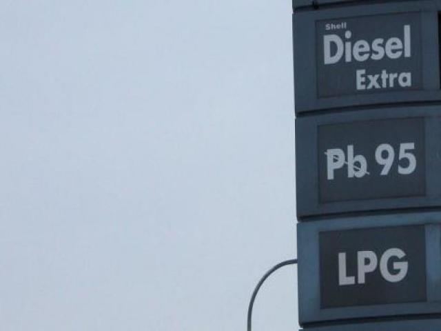 Ceny paliw nareszcie w dół - w którym regionie są najniższe?