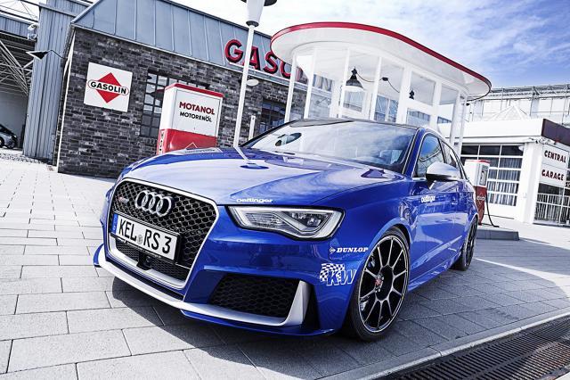 Audi RS3 Sportback Oettinger  Motor po modernizacji nie oferuj już 367 KM, ale dostarcza aż 520 KM mocy. Jak udało się uzyskać taki rezultat? Zdecydowano się na tuning elektroniczny sterownika silnikowego. Zmieniono system doładowania oraz zamontowano ulepszony wydech.   Fot. Oettinger