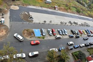 Parkowanie równoległe. Jak wykonać manewr?