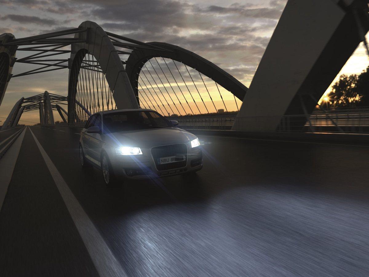 Badanie sprawdzające, ile polscy kierowcy wiedzą o oświetleniu aut/fot. mat. pras.