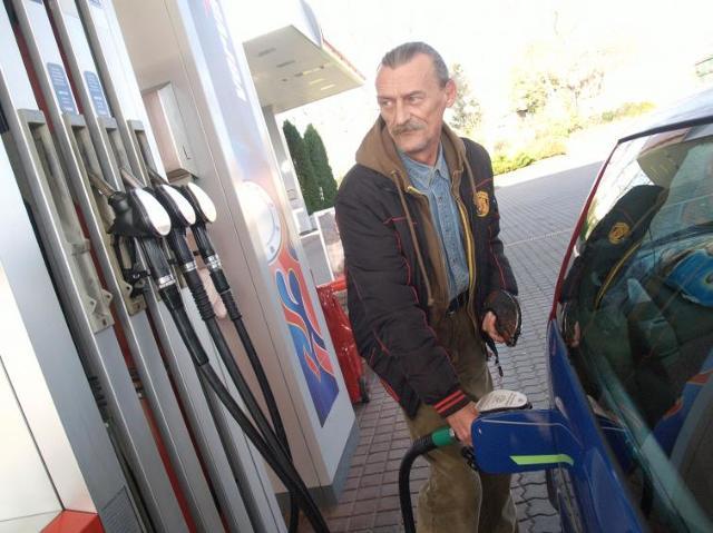 Ceny paliw - olej napędowy pozostanie droższy od benzyny