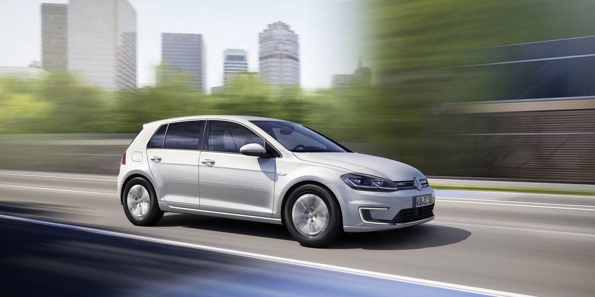 Volkswagen e-Golf   W Europie auto ma być dostępne w połowie 2017 roku.  Fot. Volkswagen