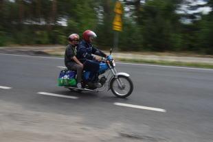 Prawo jazdy. Utrata prawa jazdy, a kierowanie motorowerem