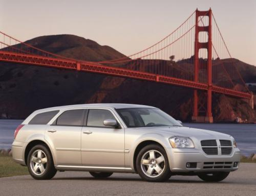 Fot. DaimlerChrysler: Dodge Magnum RT AWD