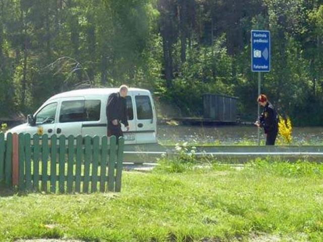 Fotoradar i przenośny znak drogowy - straż miejska omija prawo?!