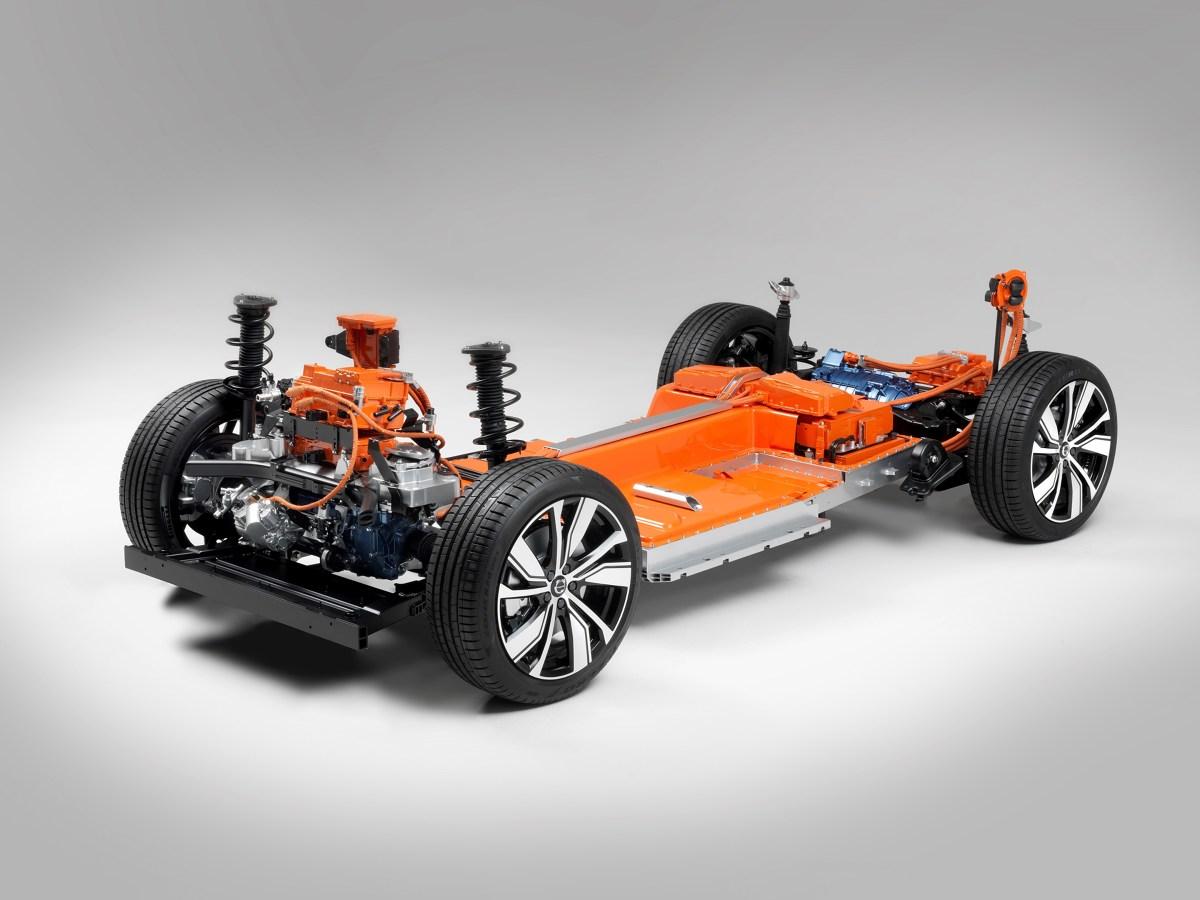Baterie w elektrycznym Volvo XC40 umieszczono w podłodze. Fot. Volvo
