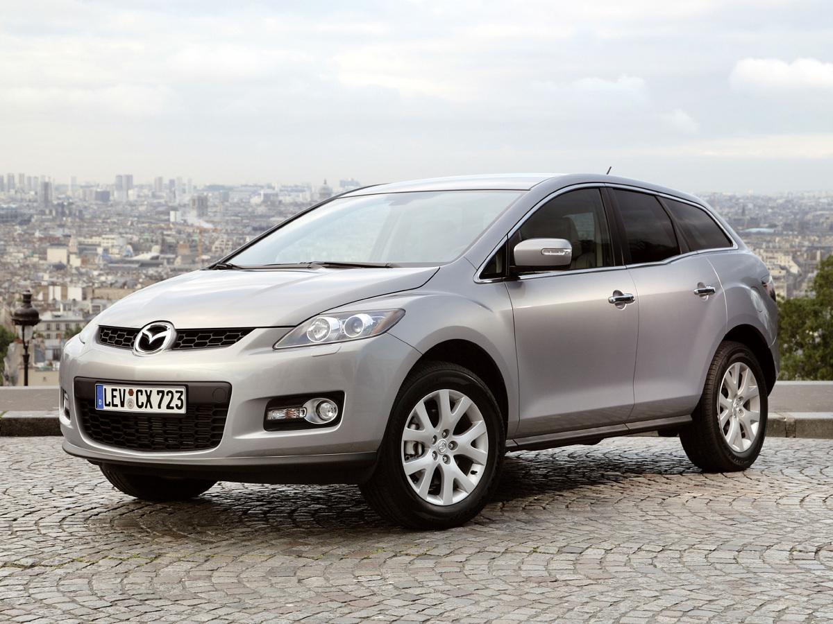 Mimo, że powstała z myślą o rynku amerykańskim, dobrze przyjęła się też w Europie. Używaną Mazdę CX-7 można kupić dziś za relatywnie niewielkie pieniądze. Pytanie tylko, czy opinia o niezawodności aut japońskiej marki ma zastosowanie względem tego modelu?  Fot. Mazda