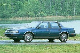 Oldsmobile Cutlass Ciera (1982 - 1966) Sedan