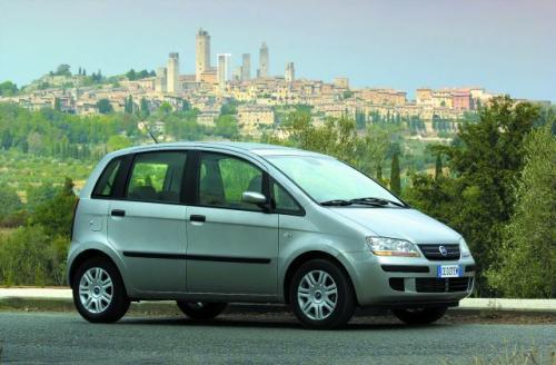 Fot. Fiat: Fiat Idea wymiarami zewnętrznymi jest zbliżona do Forda Fusiona, ma jednak ładniejszą sylwetkę.