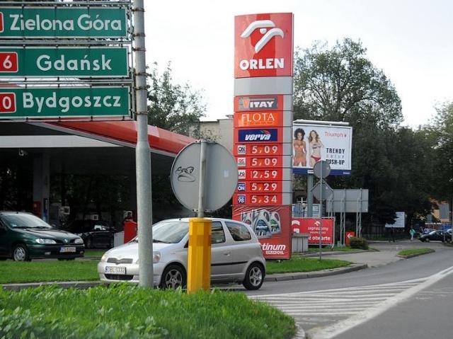 W tym tygodniu będzie drożeć benzyna, olej i autogaz