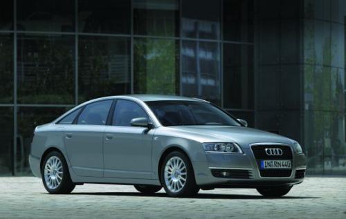 Fot. Audi: Wzorzec w swojej klasie - Audi A6 z nowym grillem spełnia oczekiwania klientów. Ma przestronne wnętrze, jest wystarczająco luksusowy i technicznie wyrafinowany.