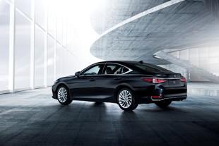Lexus ES. Sedan wchodzi do Europy