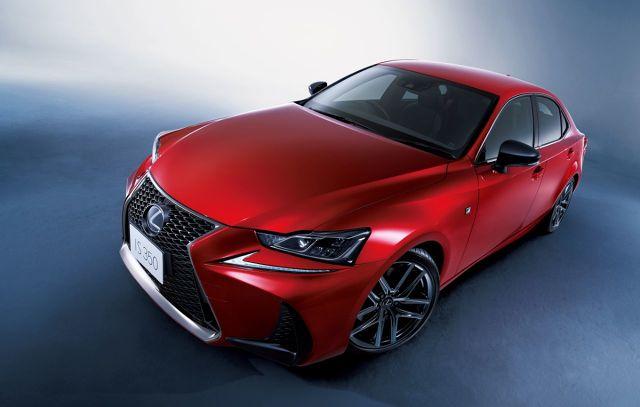 Lexus wprowadza na japoński rynek sześć modeli w limitowanej edycji Black Sequence. Seria powstała z okazji przekroczenia liczby 500 000 aut sprzedanych w Japonii przez tę markę. Samochody otrzymały specjalne elementy wykończenia nadwozia i wnętrza oraz dodatkowe wyposażenie.  Fot. Lexus