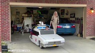 Haloween. Amerykanin skonstruował dzieciom... auto z kultowego filmu