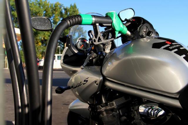 Motocyklowy eco-driving, czyli jak zmniejszyć zużycie paliwa
