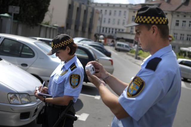 Straż miejska ma nowe uprawnienia. Za co może ukarać kierowcę?