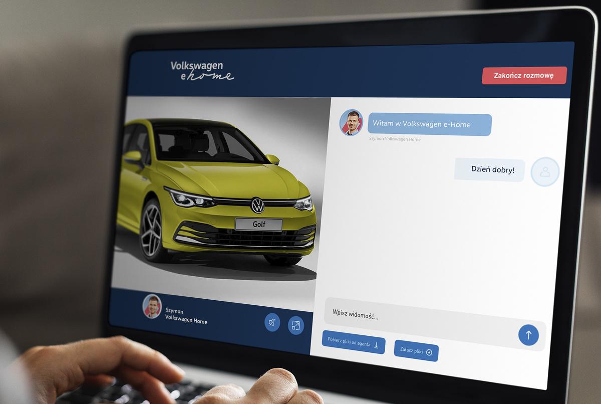 Od sierpnia 2017 roku Volkswagen oferuje możliwość zapoznania się z ofertą samochodów dostępnych w magazynach dealerskich za pośrednictwem strony internetowej – teraz marka wprowadza właśnie nowatorski projekt Volkswagen e-Home – którego zadaniem jest zdalnie wspomóc klientów podczas procesu wyboru, finansowania i zakupu pojazdu.  Fot. Volkswagen