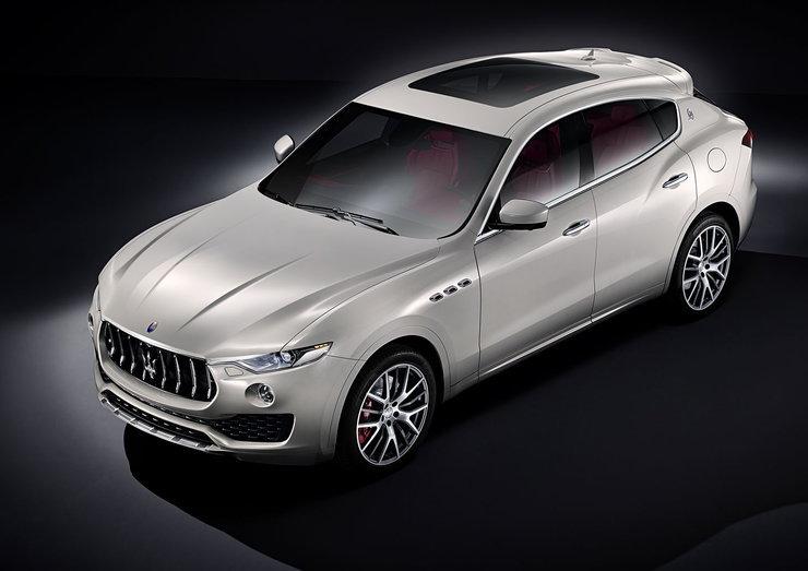 Maserati Levante ma do zaoferowania m.in. inteligentny napęd Q4 na wszystkie koła i 8-biegową automatyczną skrzynię biegów / Fot. Maserati