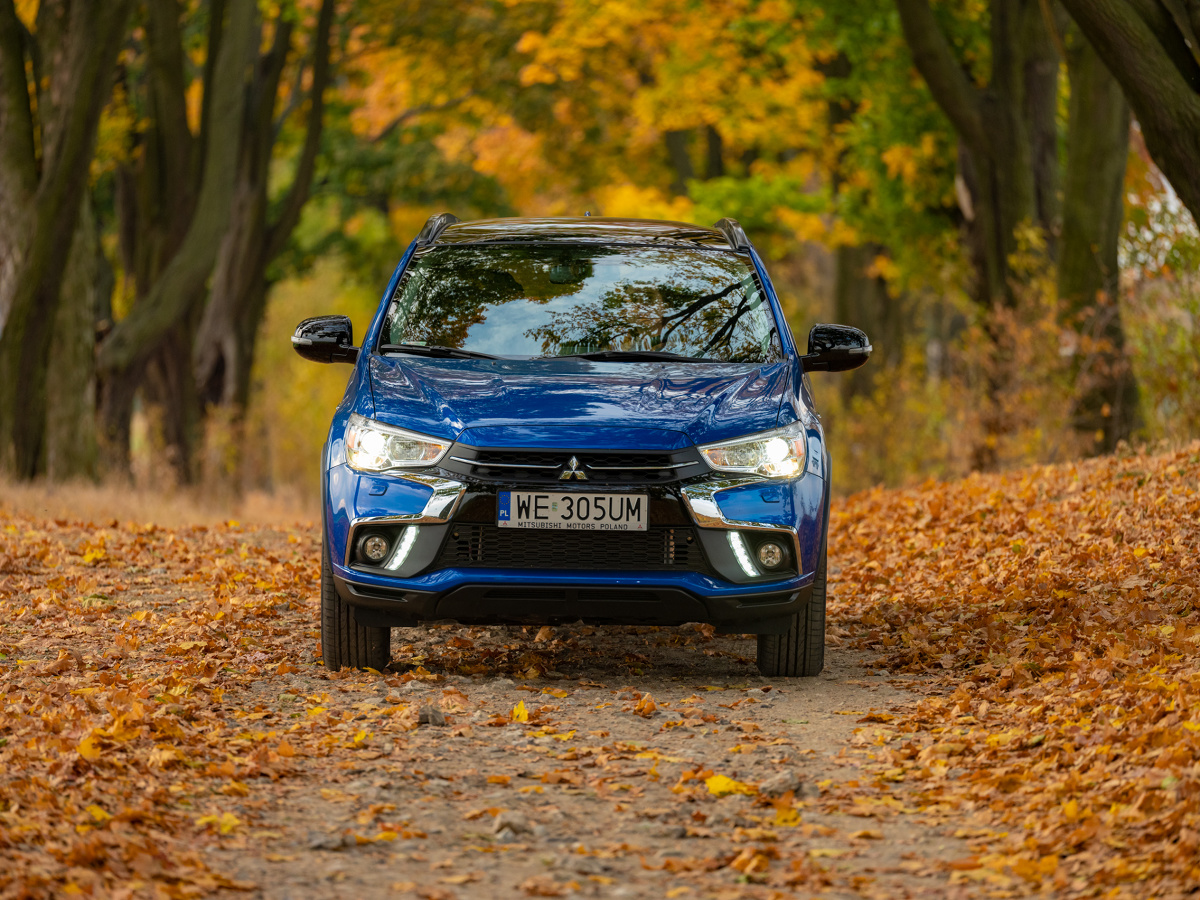 Mitsubishi ASX  We wszystkich specyfikacjach znajdziemy teraz światła do jazdy dziennej LED, a odmiana Invite oferuje nowe, 16-calowe aluminiowe obręcze kół.  Fot. Mitsubishi