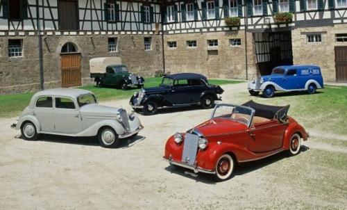 Fot. Mercedes-Benz: Już przed wojną stosowano prosty chwyt – na jednym podwoziu budowano wiele różnych nadwozi. Mercedes-Benz 170 V produkowany w latach 1936  - 1952 miał ich kilkanaście.