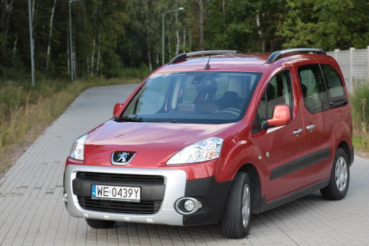 Testujemy: Peugeot Partner Tepee 1.6 HDi - więcej niż kombi